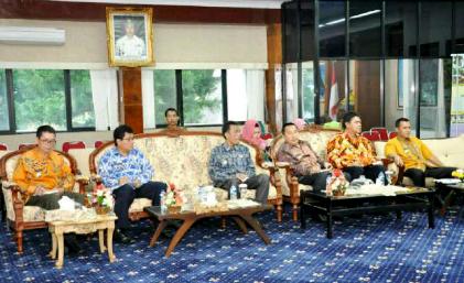 Rapat kunjungan Kerja Tim Kemenko PMK di Lampung dalam rangka mencanangkan pelestarian Kopi Robusta Lampung sebagai salah warisan budaya Indonesia. | Sugiono/Jejamo.com