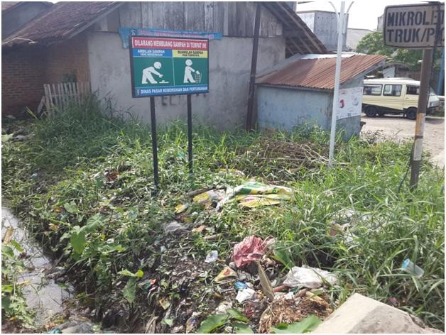 Sudah Diberi Himbauan, Sampah Masih Berserakan di Pasar Pringsewu