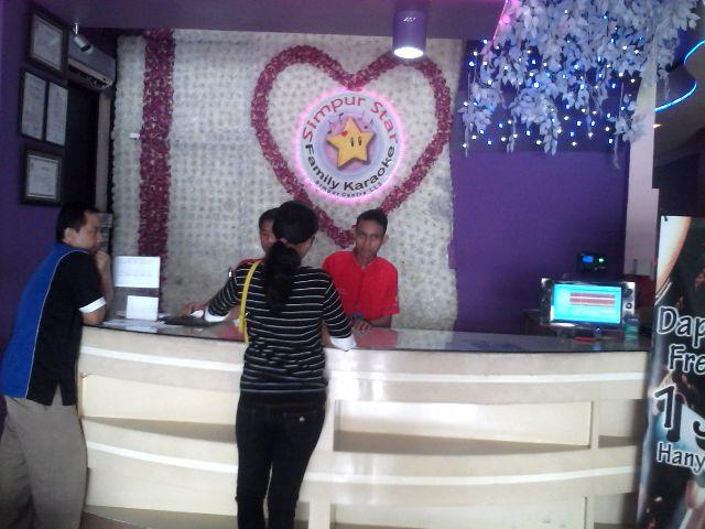 Simpur Star Family Karaoke menggelar promo bagi-bagi hadiah untuk nilai transkasi antara Rp100 ribu hingga Rp200 ribu. | Widya/Jejamo.com