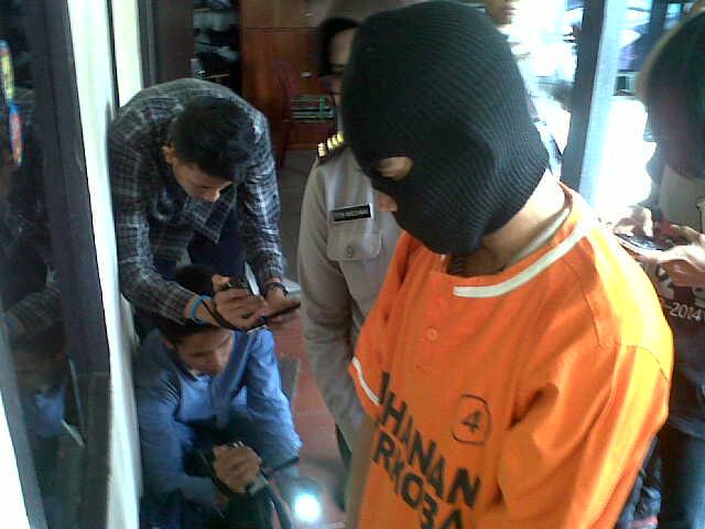 Aprizal (35), pengedar narkoba ditangkap anggota Satuan Narkoba Polresta Bandar Lampung. | Andi/Jejamo.com