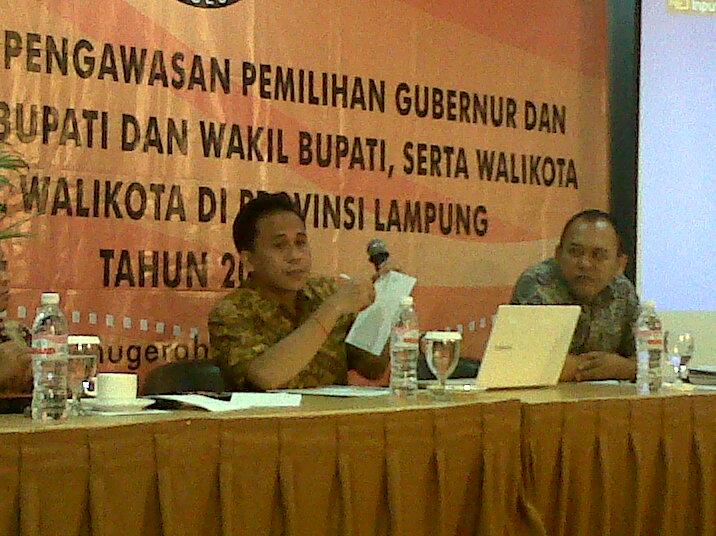 Workshop pengawasan pemilihan gubernur, bupati dan wali kota di Provinsi Lampung, Kamis 12/11/2015 di Hotel Grand Anugerah. | Widya/Jejamo.com