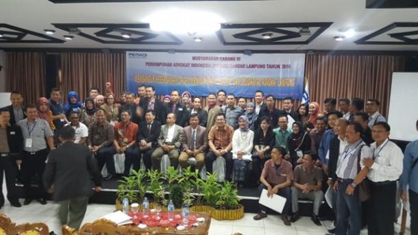 Muhammad Ridho (dududk tengah berdasi) terpilih sebagai  ketua Dewan Pimpinan Cabang Perhimpunan Advokat Indonesia (DPC Peradi) Bandar Lampung, Rabu, 16/12/2015. | Ist
