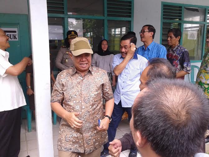 Wakil Gubernur Lampung Bachtiar Basri memantau pelaksanaan Pilkada di Kota Metro, Rabu, 9/12/2015 | Wahyu/jejamo.com