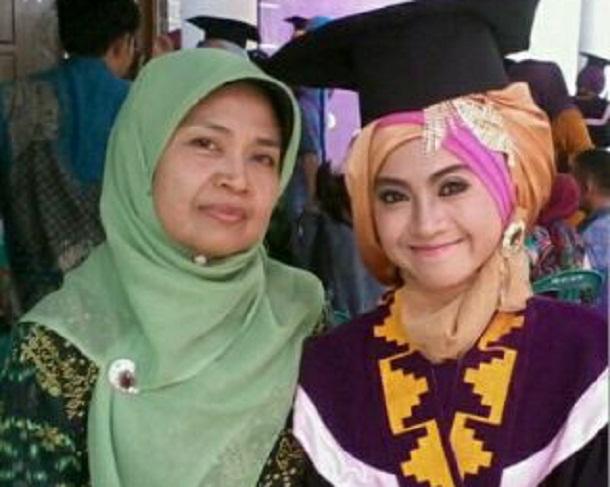 Peringati Hari IBU, Warga Lampung Ramai Pajang Foto DP BBM Bersama Ibunda