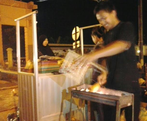 Malam Tahun Baru, Penjual Jagung Bakar di Bandar Lampung Panen Rejeki