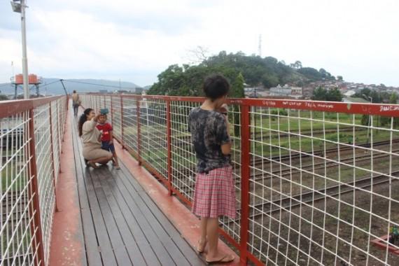 Jembatan Stasiun Kereta Api Tanjungkarang Spot Baru Selfie