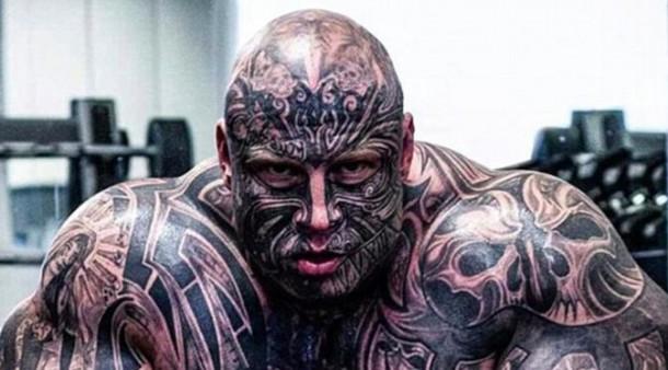 Pria Ini Ingin Terlihat Seperti Monster dalam Cerita Beauty and The Beast