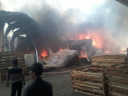 Kebakaran PT Bintang Bukit Barisan