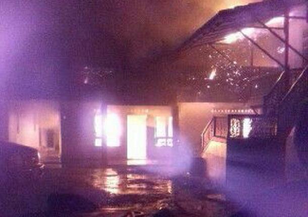 Kebakaran rumah adat di Pringsewu | Kholik/jejamo.com