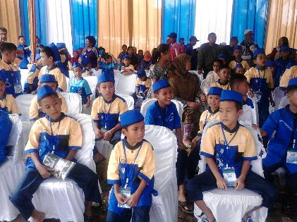 Anak-anak mengikuti khitanan masal PKPU yang bekerjasama dengan Bank BJB | Sugiono/jejamo.com