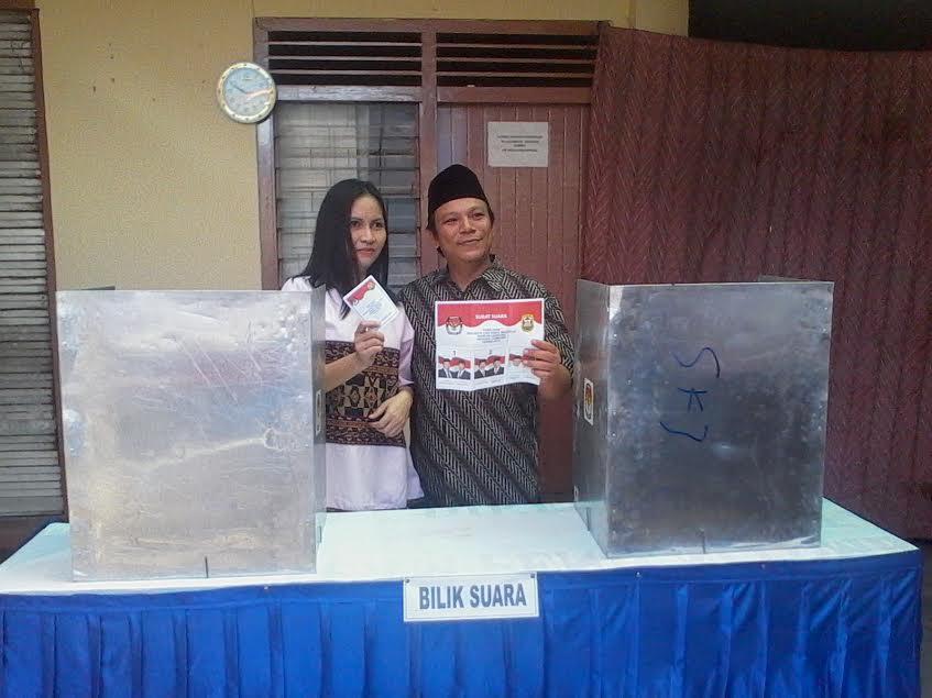 Asikk sihhh, Usai Nyoblos Gubernur Lampung Selfie Bareng Wartawan