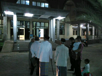 Toyota Rush Dimaling Ditinggal Salat Ashar di Masjid Brimob Bandar Lampung