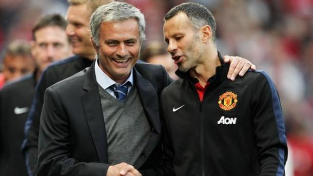 MU Rapat Pecat Van Gaal, Jose Mourinho Kian Dekat ke Old Trafford