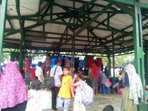 Heboh Pengunjung Pantai Pasir Putih Lampung Selatan Joget