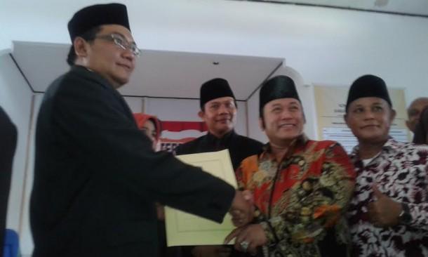 Zainudin dan Nanang ditetapkan sebagai bupati dan wakil bupati terpilih Lampung Selatan | Heri/jejamo.com