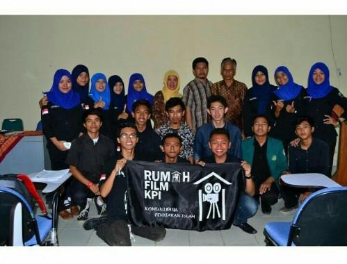 Penggiat Rumah Film KPI Fakultas Dakwah dan Ilmu Komunikasi IAIN Raden Intan Lampung. | Elok Malfindiloka/jejamo.com