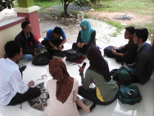 Rumah Film KPI Fakultas Dakwah dan Ilmu Komunikasi IAIN Raden Intan Lampung mengadakan pemilihan ketua baru, Senin, 14/12/2015. | Hagi Julio/Jejamo.com