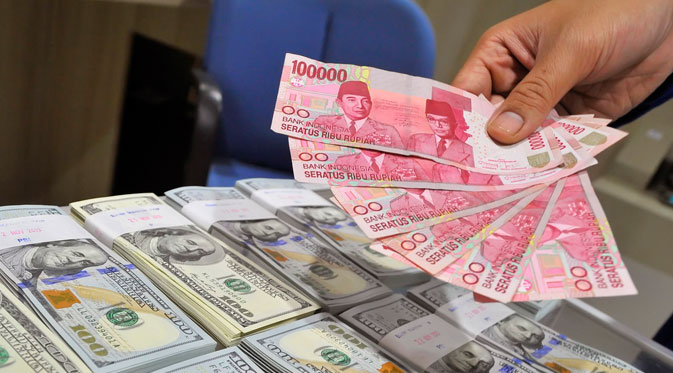 Nilai Tukar Rupiah Kembali Tembus Rp14.000 per Dolar AS
