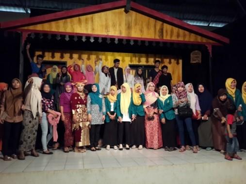 Mahasiswa STKIP Muhammadiyah Pringsewu Hidupkan Seni Drama di Pringsewu
