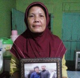Siti, pemilik warteg di belakang kampus IAIN Raden Intan Lampung. | Abdul Rozak/Jejamo.com