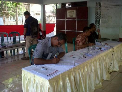 Asyik Sih, TPS 7 Sumurbatu Tempat Gubernur Ridho Nyoblos Setel Dangdut