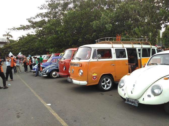 Volkswagen Club Lampung berkumpul di Lapangan Saburai, Jumat, 25/12/2015 | Andi/jejamo.com