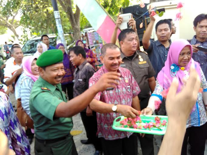 Launching pendistribusian logistik Pilkada oleh KPU Bandar Lampung, Jumat 4/12/2015. | Andi/Jejamo.com
