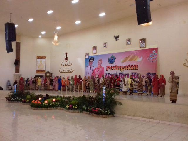 Lomba kebaya meriahkan peringatan Hari Ibu di Kabupaten Lampung Timur. | Bilqis/Jejamo.com