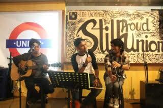 Suasana malam puisi Bandar Lampung di Union Cafe, Kamis malam 11/12/2015. | Sigit/Jejamo.com