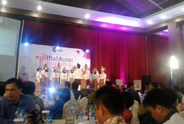 Paduan Suara Universitas Lampung Meriahkan Quick Count Pilkada Rakata