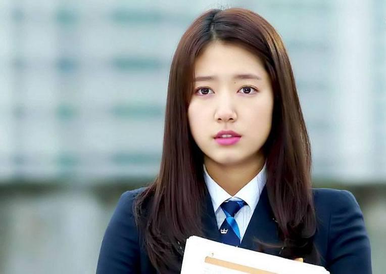Park Shin Hye. | smeaker.com