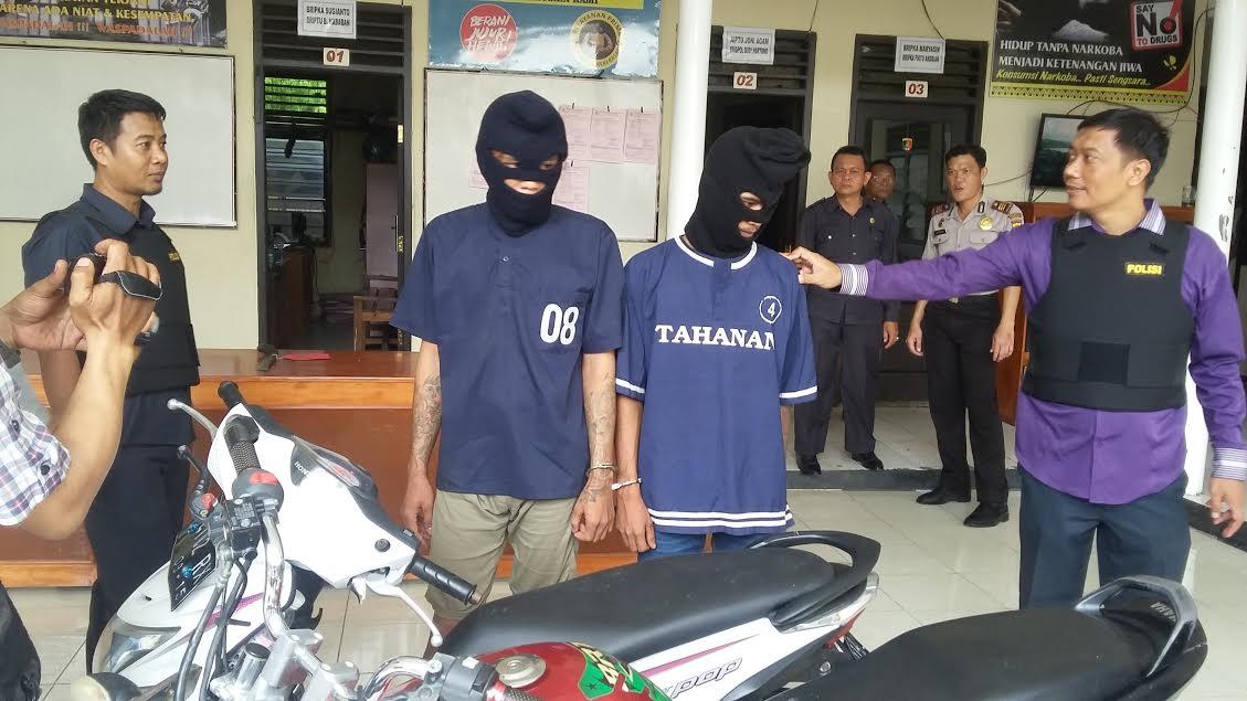 Genta Praguna (20), tersangka pelaku curanmor yang ditangkap Polsek Panjang Bandar Lampung. | Andi/Jejamo.com