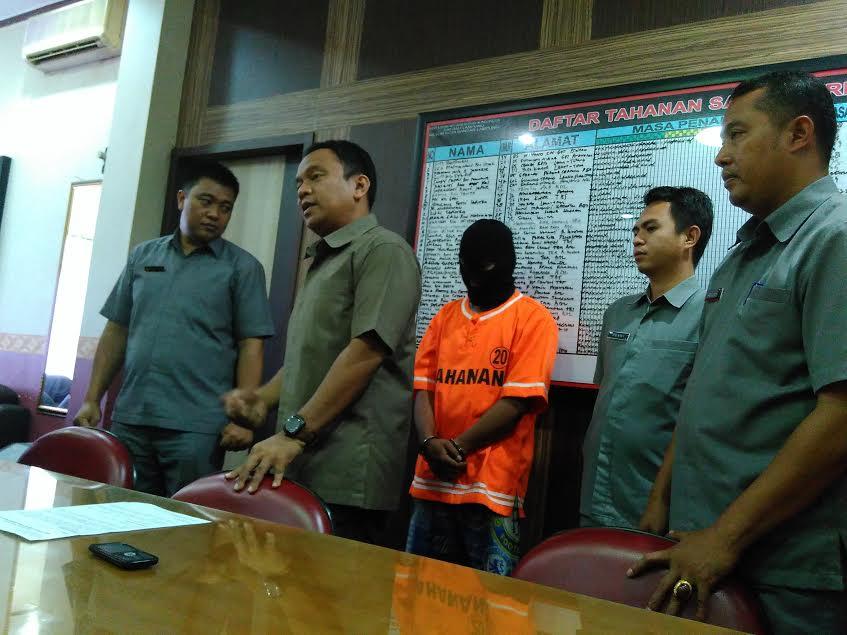 Larikan Uang Rp11 Juta, Polisi Gadungan Diciduk Polresta Bandar Lampung