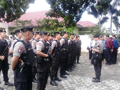Apel persiapan pengamanan rekapitulasi surat suara pleno KPU Bandar Lampung. | Sugiono/Jejamo.com