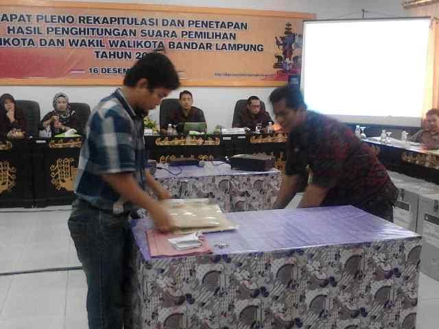 Rapat Pleno Rekapitulasi Pilkada Bandar Lampung Molor