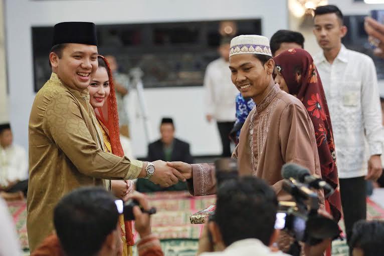 Penyerahan bantuan untuk Hafidz/Hafidzhah di Lampung di Mahan Agung Bandar Lampung, Kamis malam 3/12/2015. | Ist.