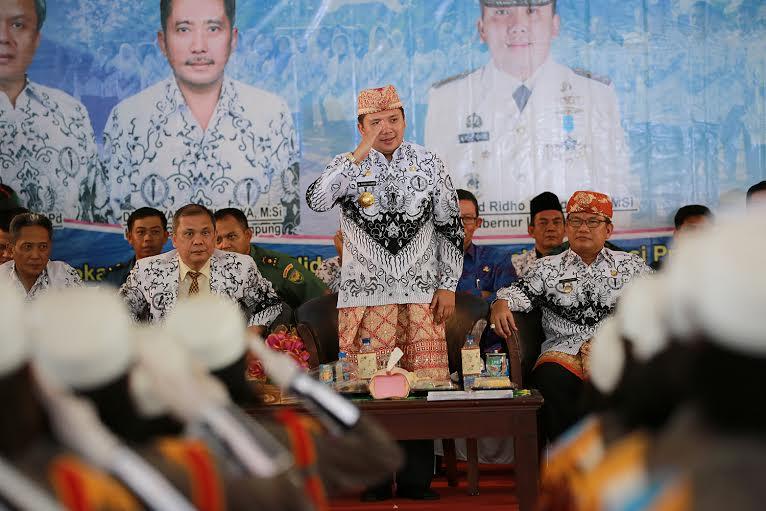 Gubernur Lampung Ridho Ficardo saat menghadiri HUT PGRI di Kabupaten Tulang Bawang, Jumat 18/12/2015. | Ist.