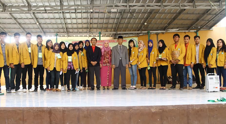 STIKes Mitra Lampung lepas 32 mahasiswa untuk mengikuti Pengalaman Belajar Lapangan (PBL) di Kecamatan Padang Cermin Kabupaten Pesawaran, Senin 28/12/2015. | Ist.