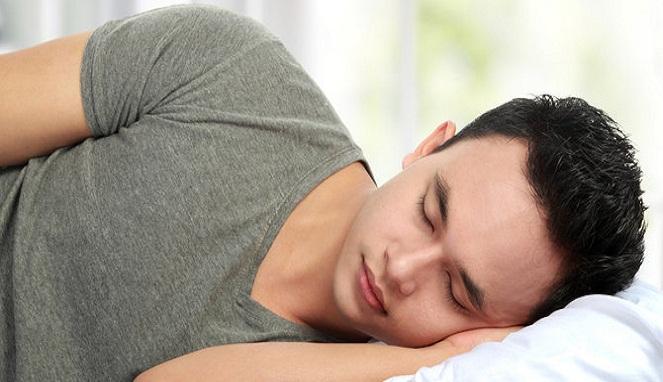 Makna dari Orang yang Senang Sekali Tidur Miring