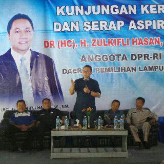 Ustad Mumuy Ajak Remaja Lampung Makmurkan Masjid