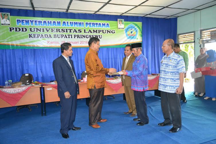 Acara penyerahan alumni pertama AKN Pringsewu | Kholik/jejamo.com