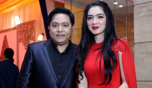 Belum Ceraikan Angel Karamoy, Steven Rumangkang Mengaku Sudah Single