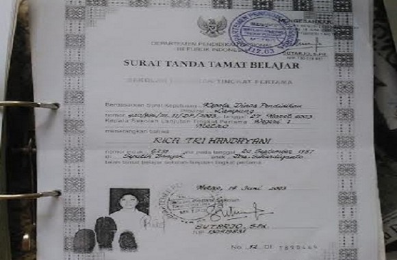 Fotokopi STTB dr Rica Tri Handayani, arsip SMP N 1 Kota Metro| Tyas/jejamo.com