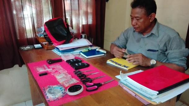 Lagi Asyik Bungkus Sabu, Pengedar di Lampung Utara Digrebek Polisi
