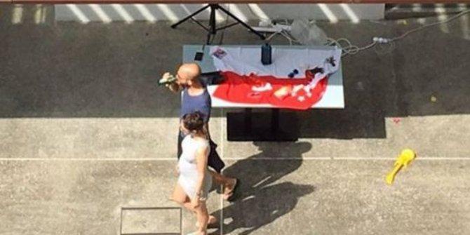 Diplomat Israel menggunakan bendera Singapura untuk taplak meja dalam sebuah pesta | ist