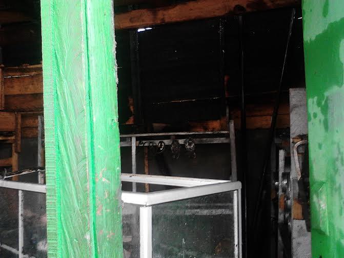 Kebakaran melanda bengkel pembuat knalpot milik Suwarno yang beralamat di Jalan Imam Bonjol, Sumberejo, Kemiling, Bandar Lampung. | Sugiono/jejamo.com