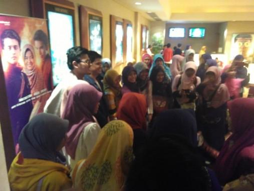 Perdana Diputar di Lampung, Film Tausiyah Cinta Diserbu Warga