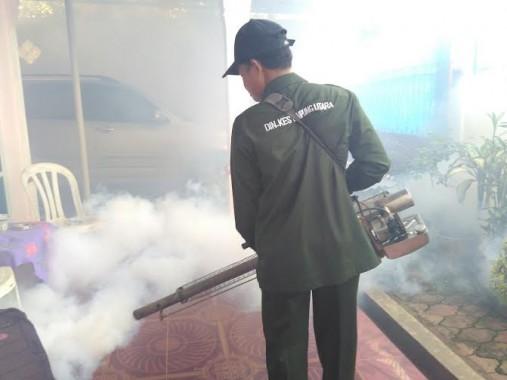 Dinas Kesehatan Lampung Utara Lakukan Fogging di Kelurahan Tanjung Aman