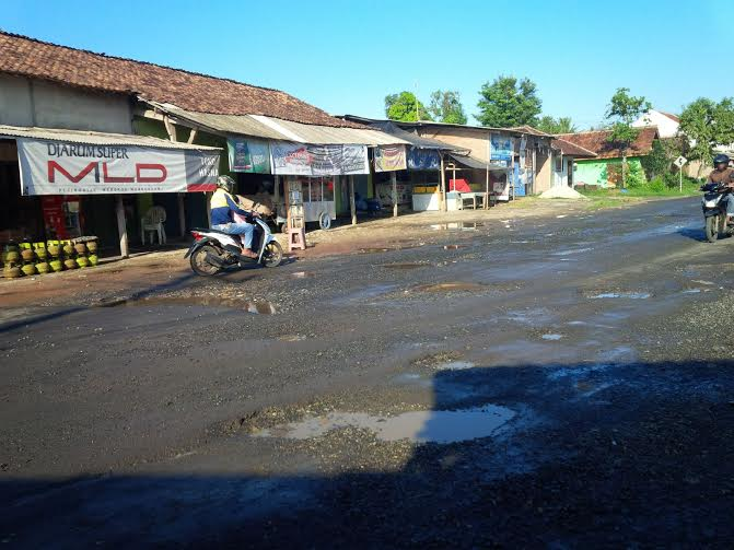 Usai Libur Panjang, Bank di Bandar Lampung Diserbu Nasabah
