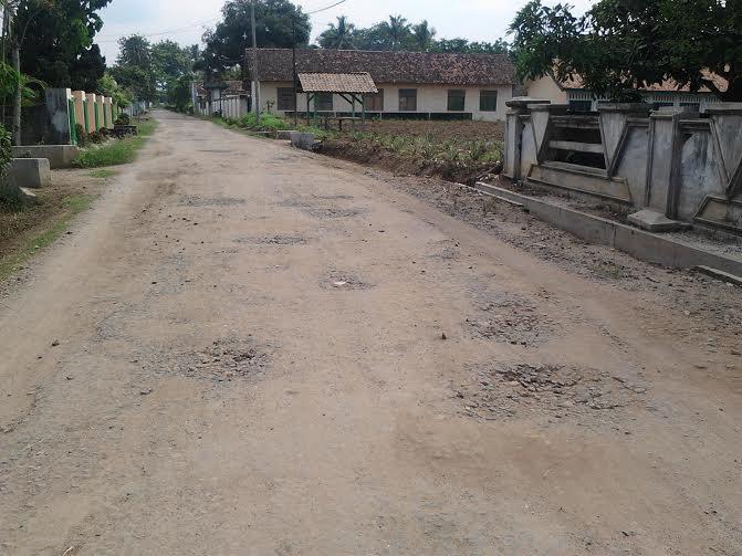 Jalan Tanjung Asri Abung Selatan Lampung Utara Rusak